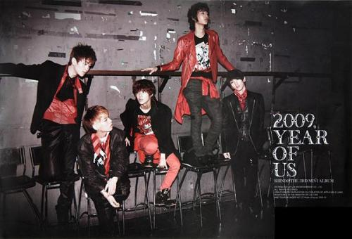 shinee-2009-year-of-us-92x62_194362541