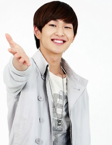 SHINee-Onew_1369808646_af_org
